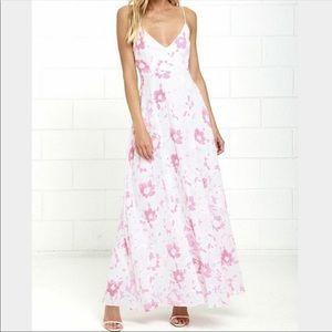 D262 NWT LULU'S Spaghetti Strap Floral Maxi Dress